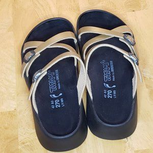 BIRKENSTOCK Tatami Gold Criss Cross Sandals